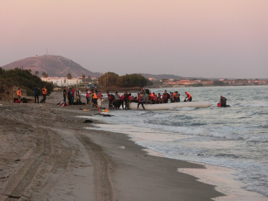 Refugees arriving in Greece - Photo: Red Cross (CC BY-NC-ND 2.0)